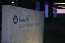 Swiss Re – Firmenschild