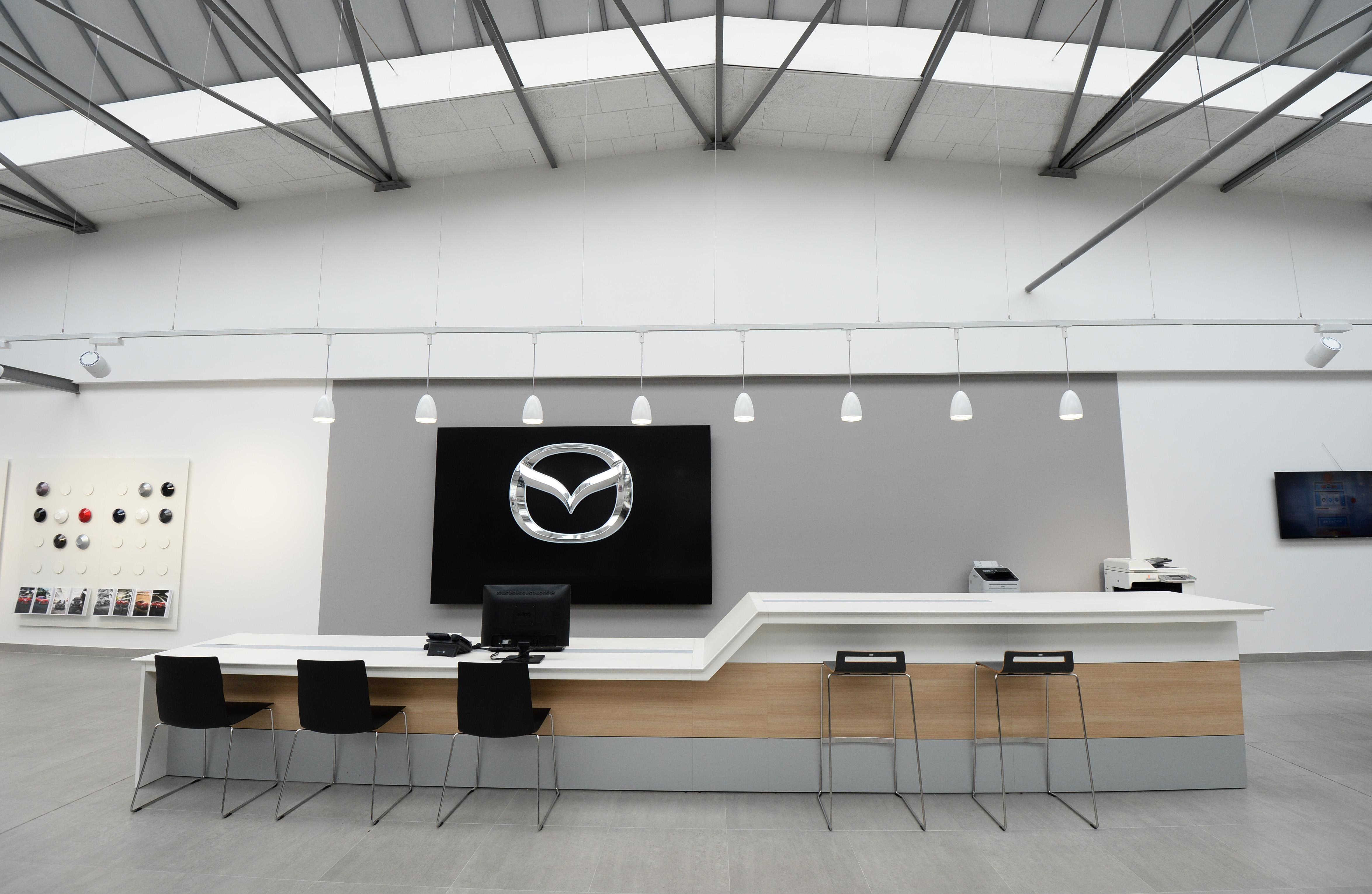 Tresen Design händlersignalisation mazda motors deutschland design tagebuch