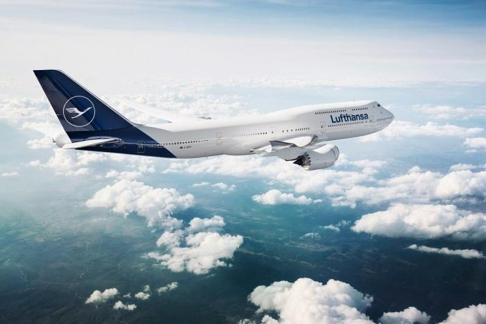 Lufthansa 747 im neuen Design