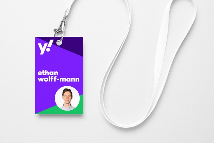 Yahoo! lanyard – New Design (2019), Quelle: Pentagram/Bierut