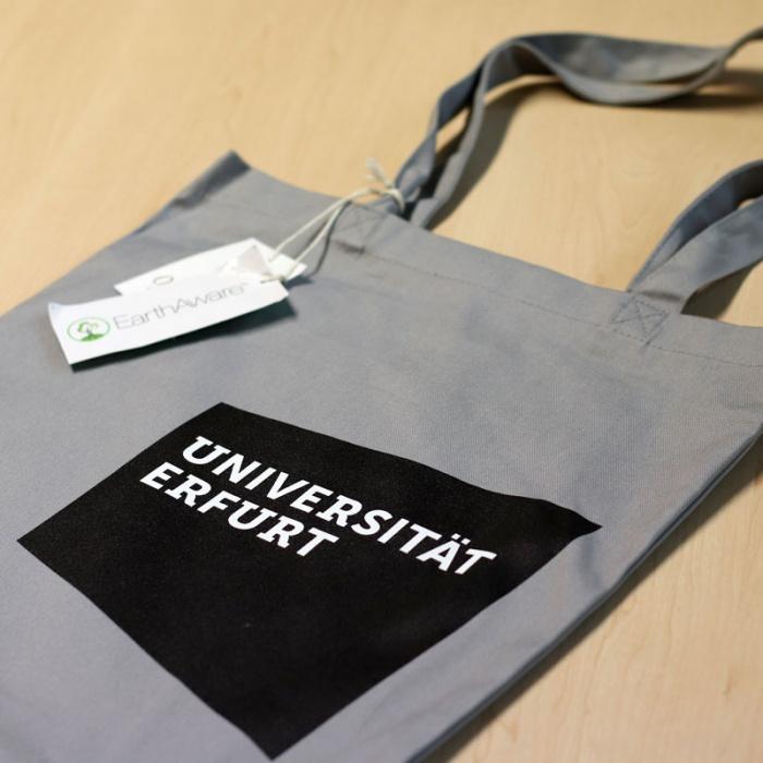 Uni Erfurt Corporate Design – Stoffbeutel mit Logo, Quelle: Uni Erfurt