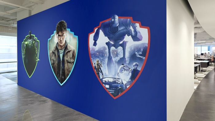 Warner Bros. Branding – Office Wall, Quelle: Pentagram