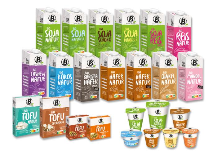 Das B-Volution Sortiment von Berief Food mit pflanzlichen Lebensmitteln. Quelle: obs/Berief Food GmbH