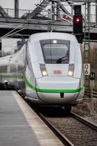 """ICE 4 in """"Das ist grün"""" Optik (2018), Quelle: Deutsche Bahn AG, Foto: Pablo Castagnola"""