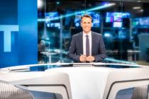 WELT-Moderator Alexander Siemon im neuen Nachrichtenstudio