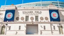 Chicago Fire FC – Logo / Soldier Field Stadion, Quelle: MLS